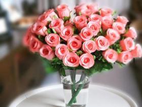 一朵鲜花改变一个乞丐命运,一个小小善行能放大多少倍?